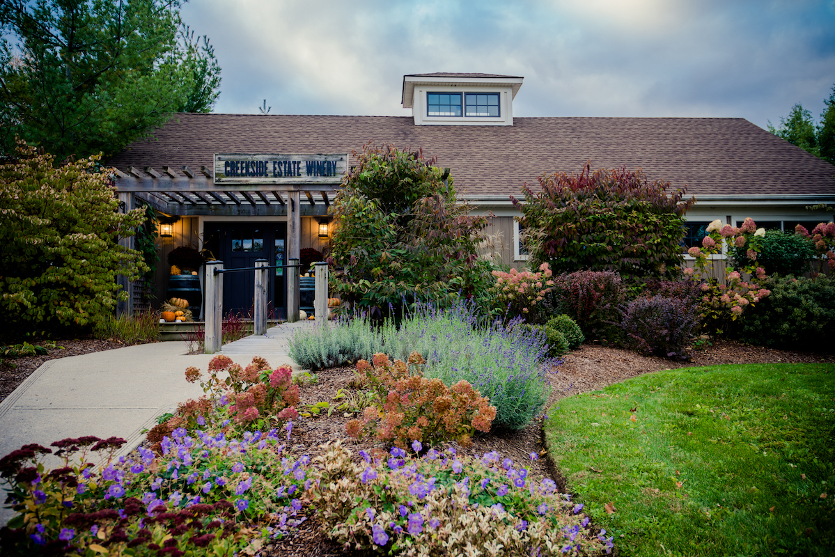 front entrance of creekside estate winery